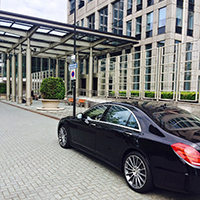 EXECUTIVE ROADSHOWS TAXI SERVICES IN AND OUTSIDE AMSTERDAM